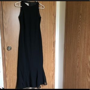 Gorgeous Even Picone Dress Size 6 Black w/ Slip